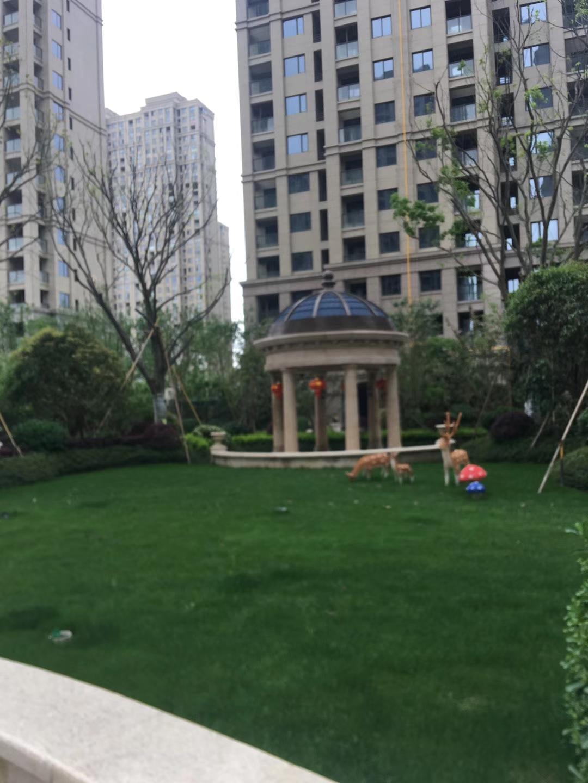 悦城花苑3室1厅175平米2362500万元