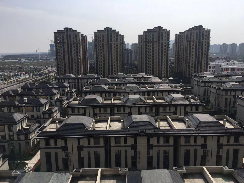 乐清府3跃4送楼顶大阳台看海景卖435万